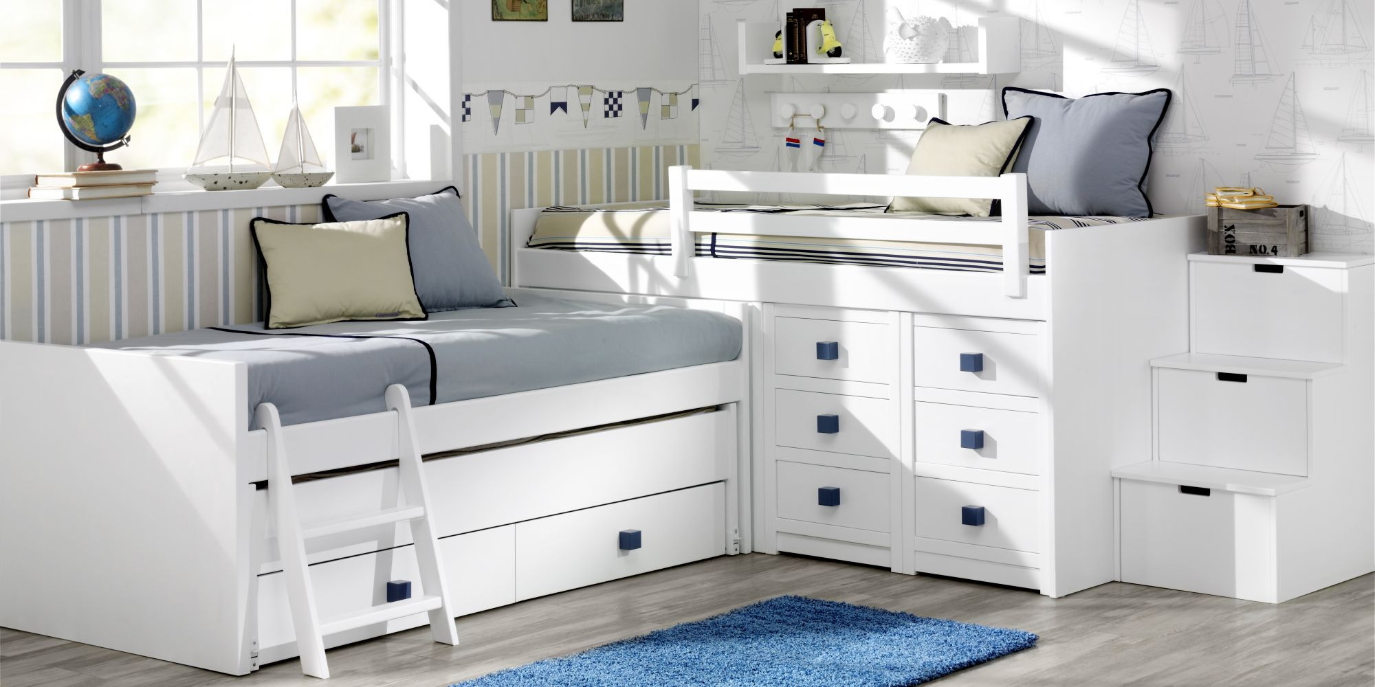 Bloque alto minicompacto de 3 camas con gran capacidad de almacenaje