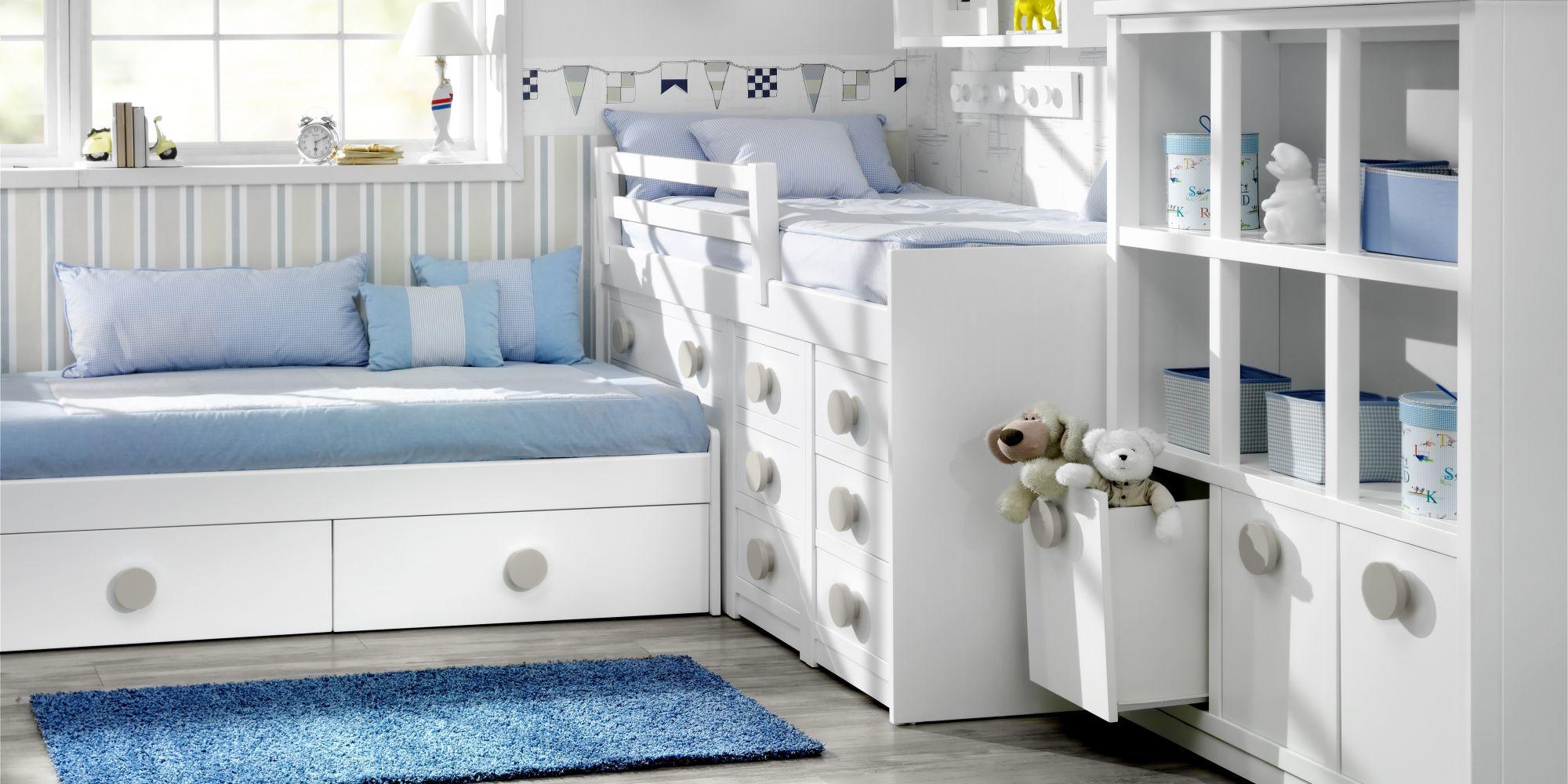 Bloque bajo de dos camas con cajones inferiores y gran librería