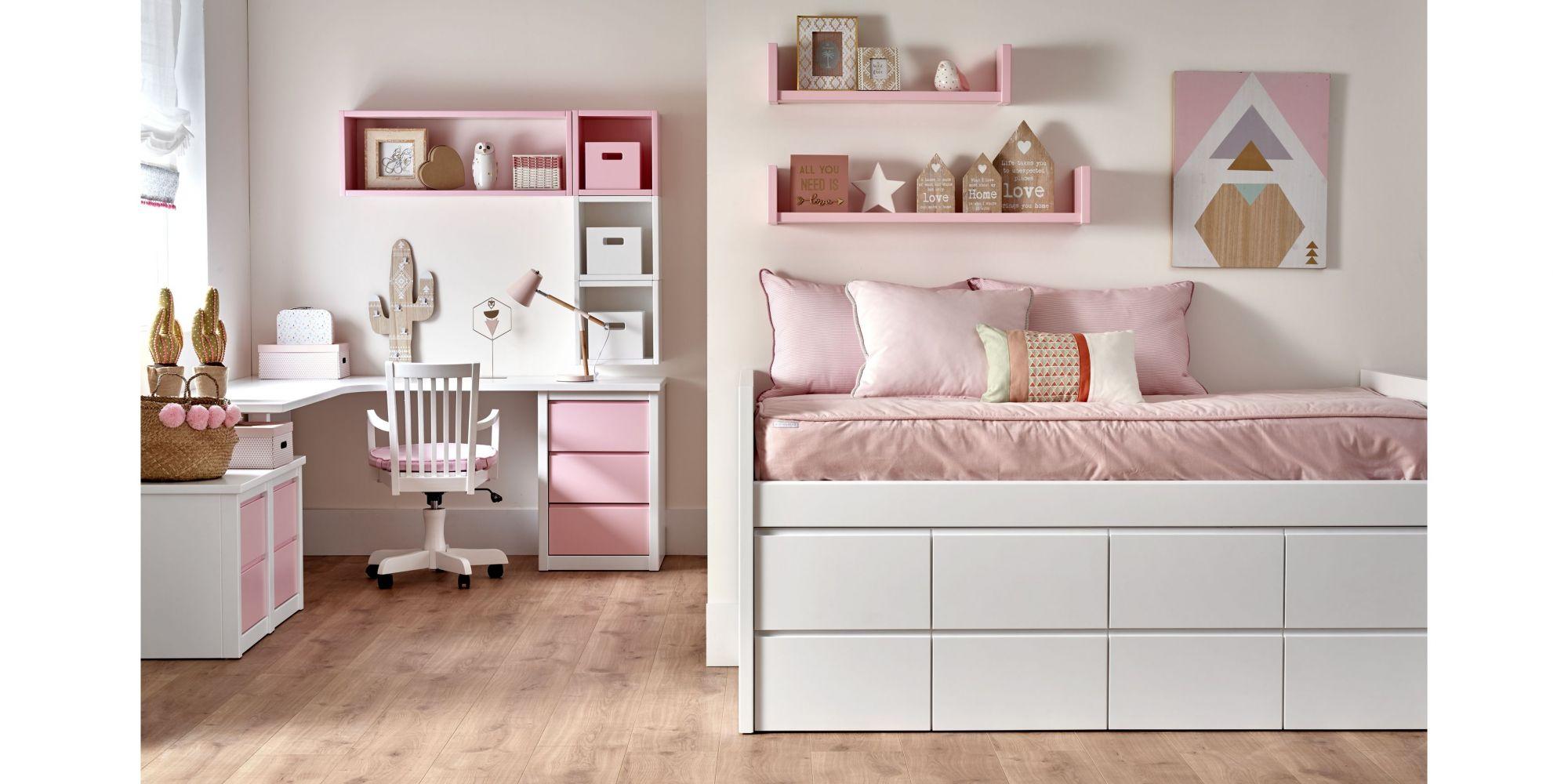 Habitación juvenil, cama con ocho cajones y zona de estudio color rosa