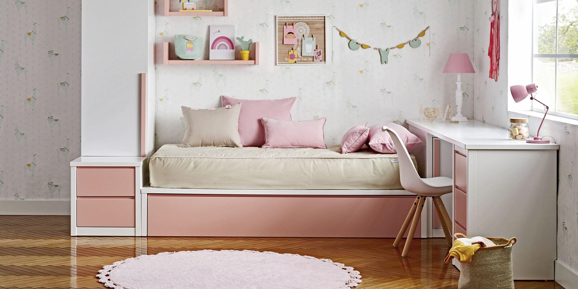 Dormitorio de niña con tatami armario y escritorio