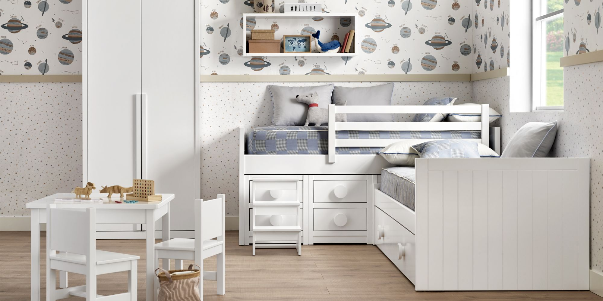 Dormitorio dos niños con cama con cajones y armario