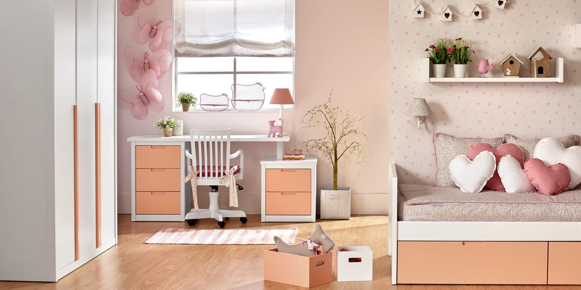 Habitación nido con cajones y mesa de estudio, armario, color salmón