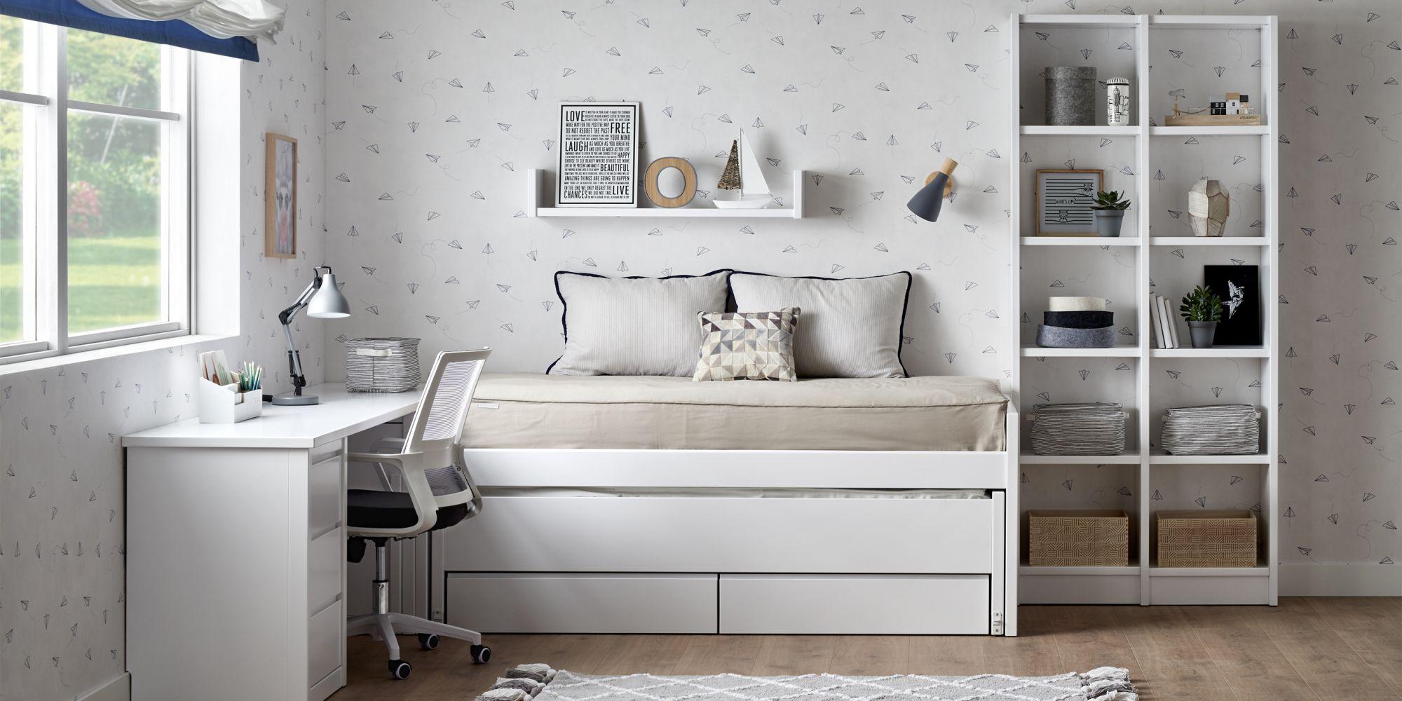 Habitacion cama compacta zona de estudio y estanteria