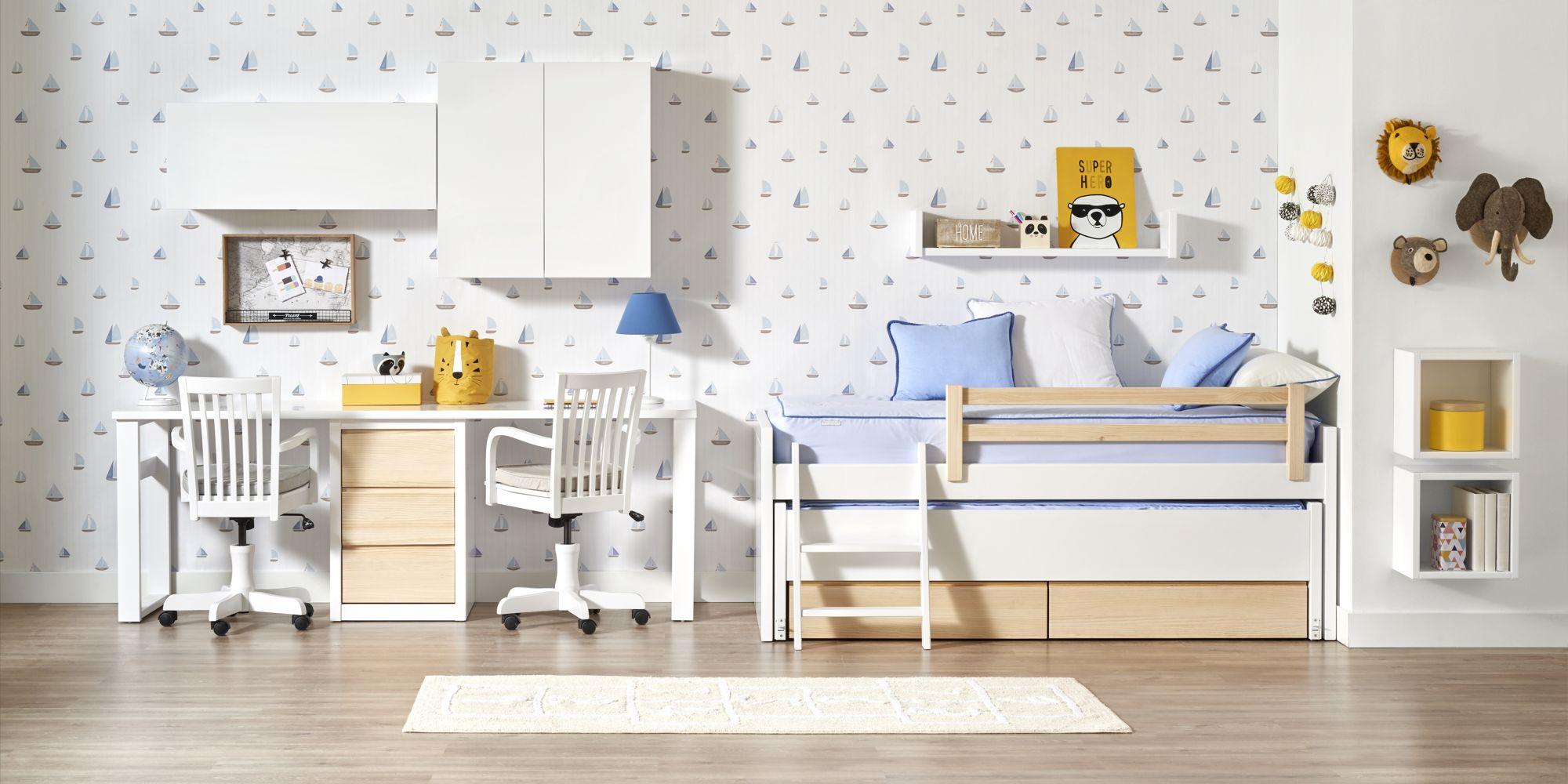 Habitacion con cama y escritorio madera lacada
