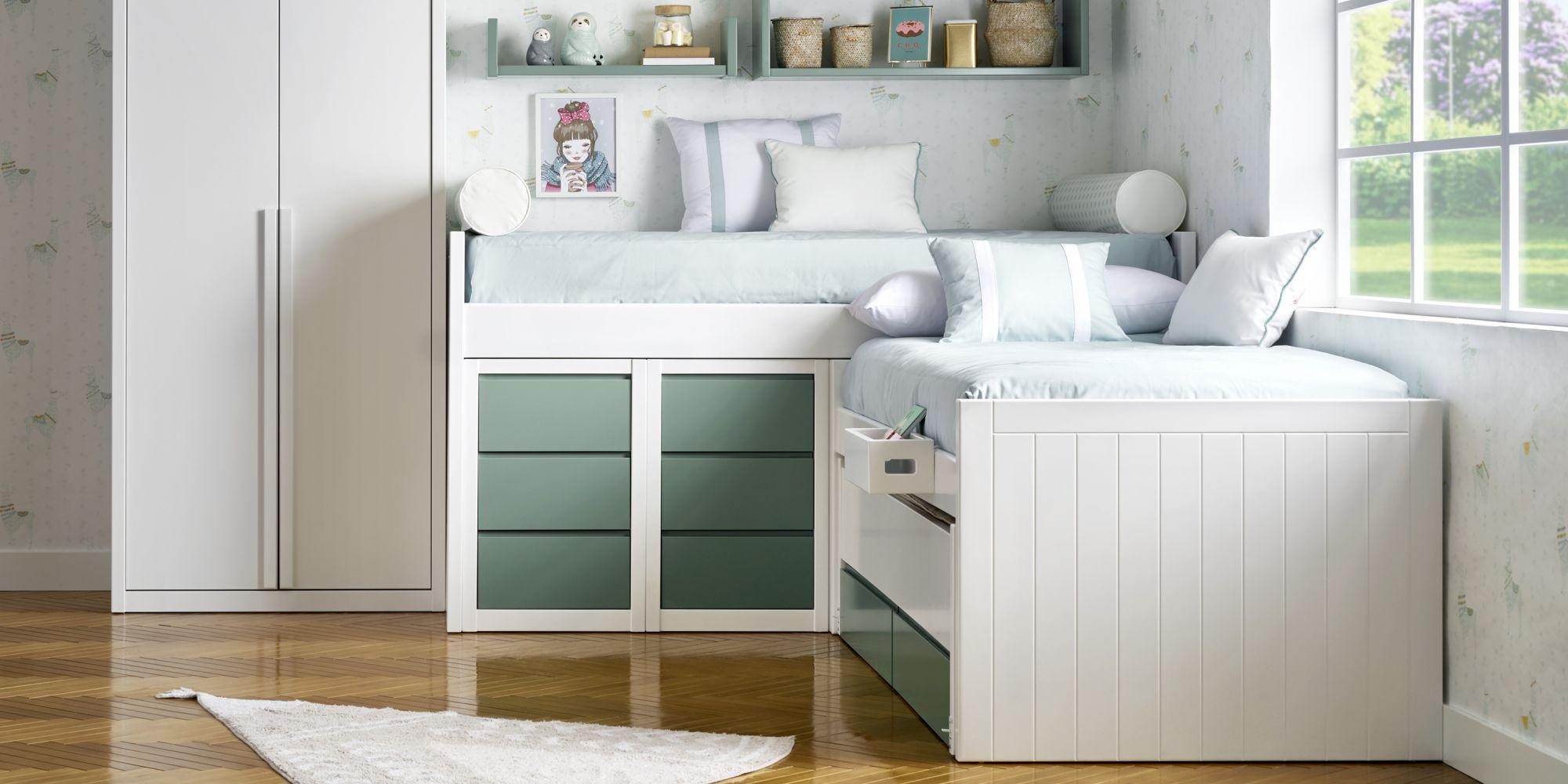Habitacion con dos camas y armario blanco y verde