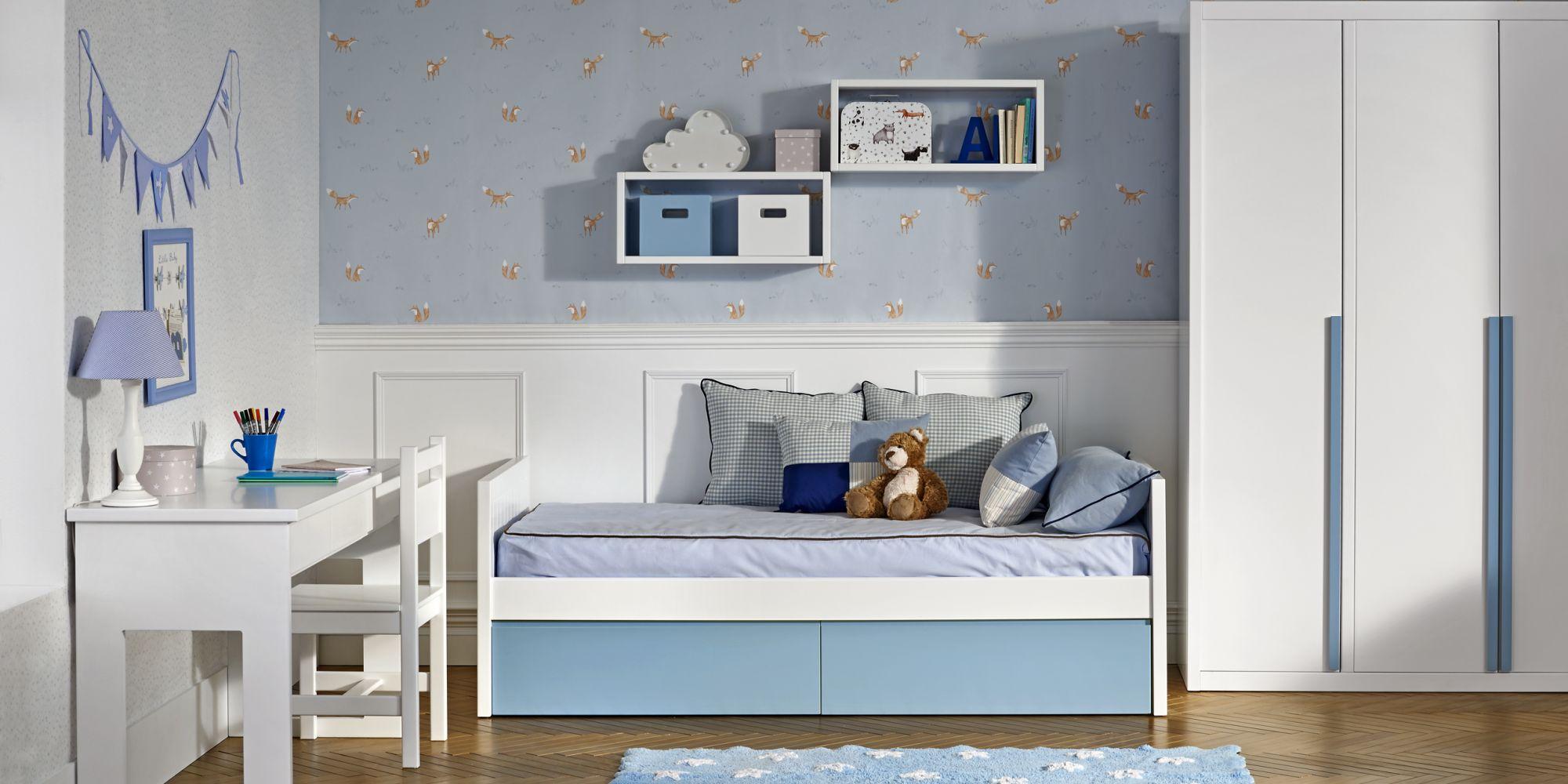 Habitación de bebé con cama