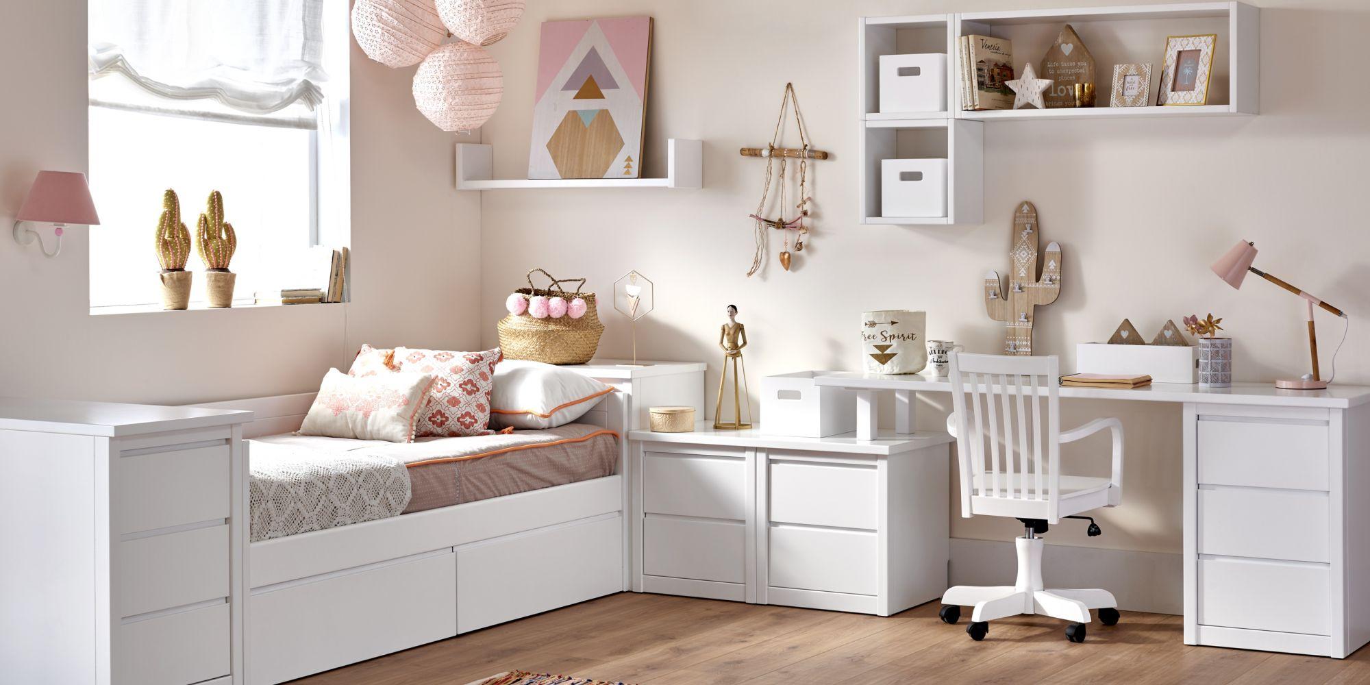 Habitación juvenil con cajones para almacenaje y mesa escritorio
