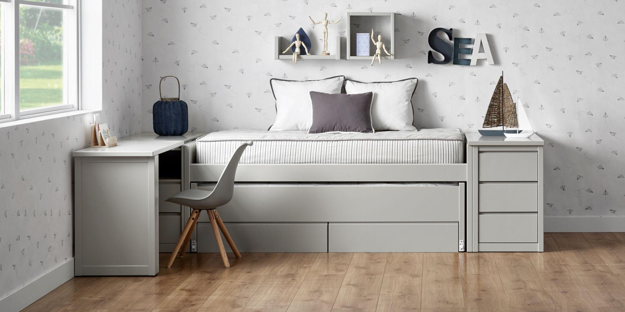 Habitacion juvenil con cama compacta para dos colchones y almacenaje