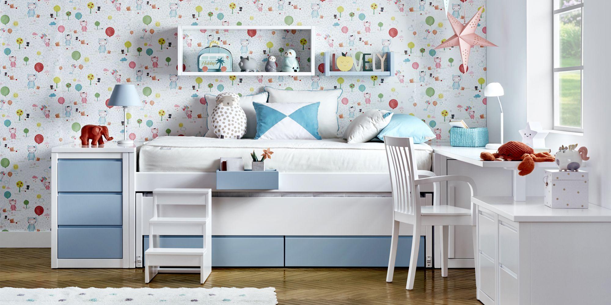 Habitacion niños azul y blanca con cama compacta