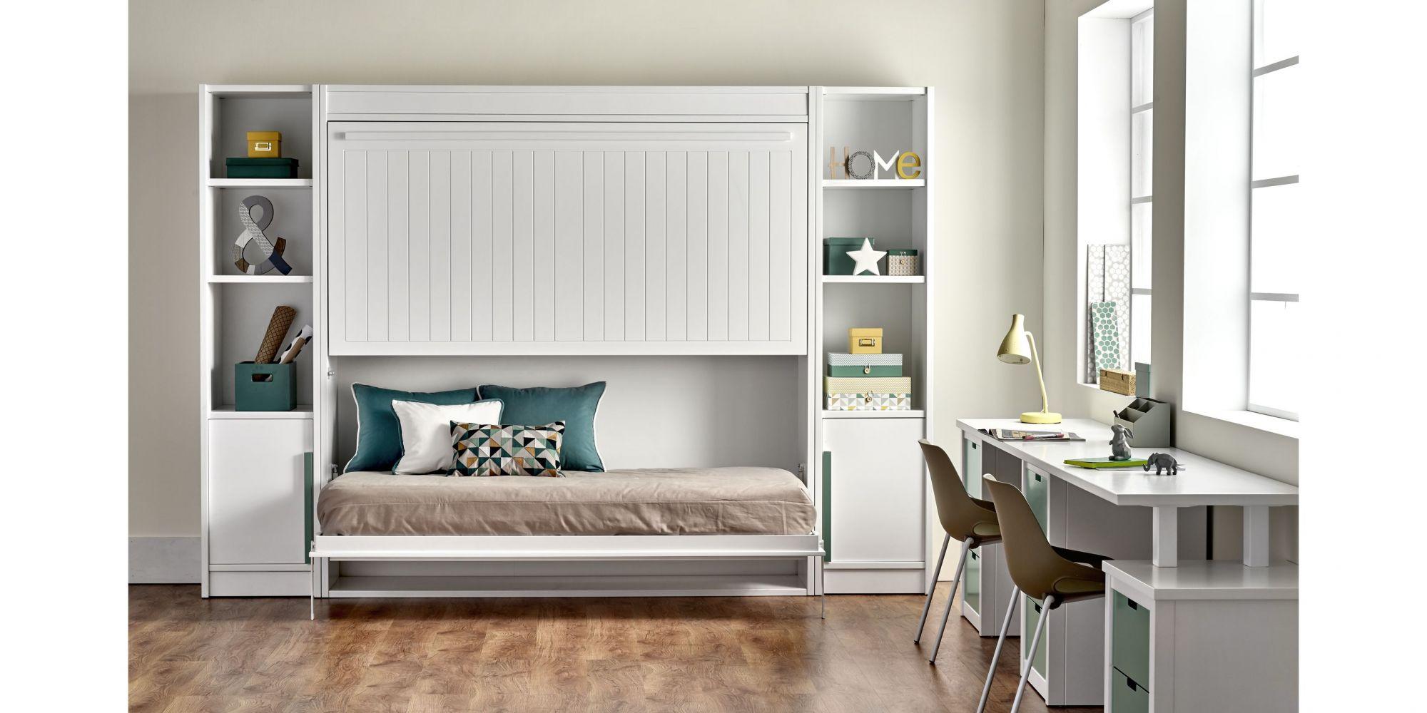 Habitación con litera abatible de dos camas y zona de estudio