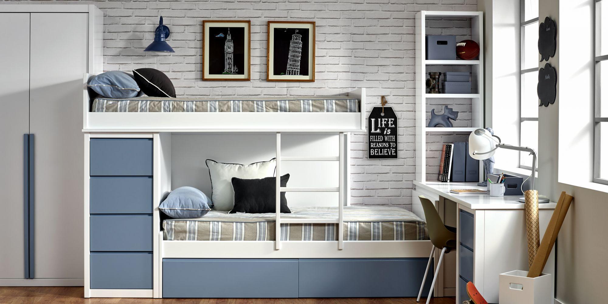 Diseño de dos literas con cajones para almacenaje, librería y mesa
