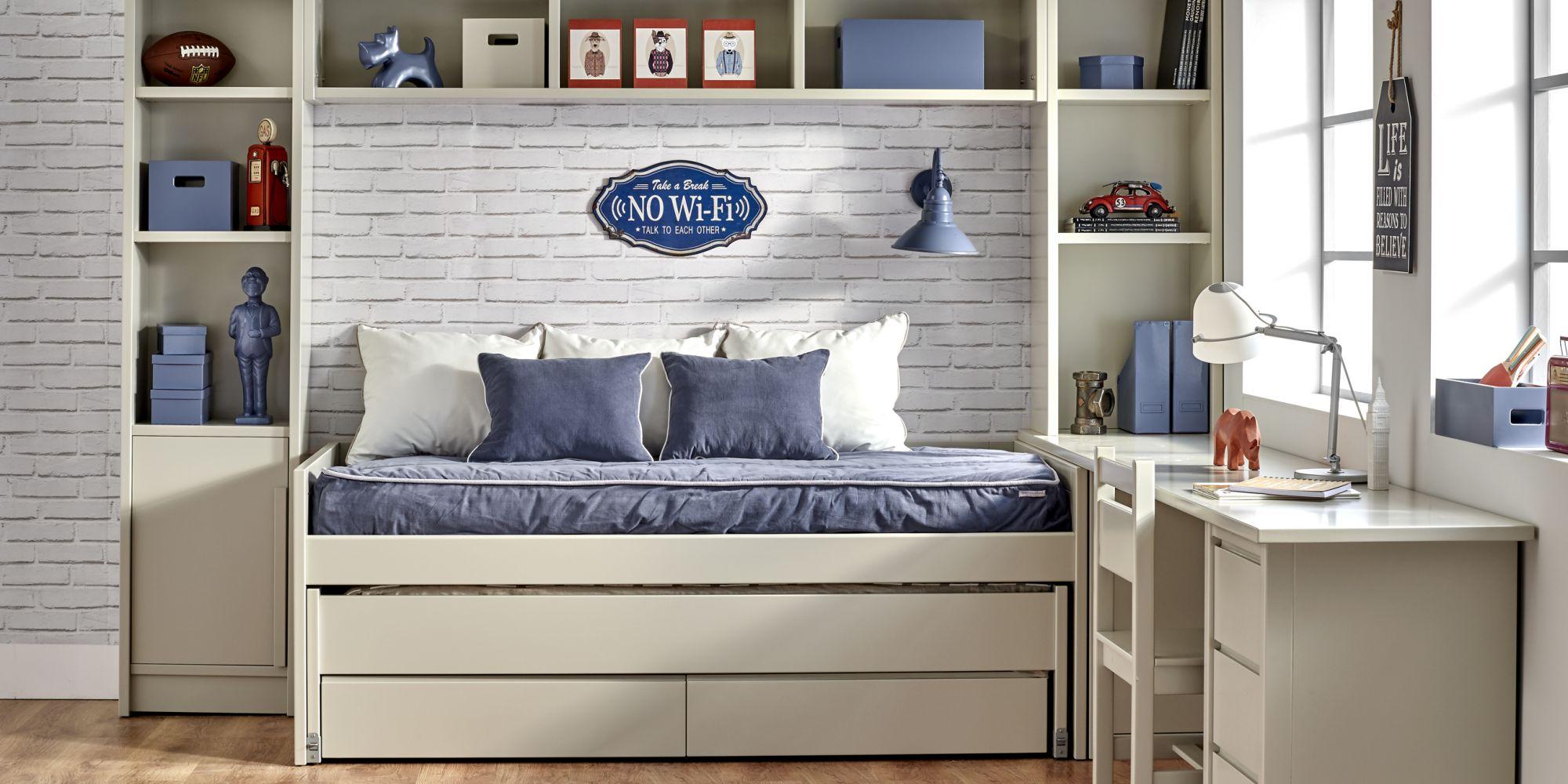 Minicompacto de dos camas y zona de estudio