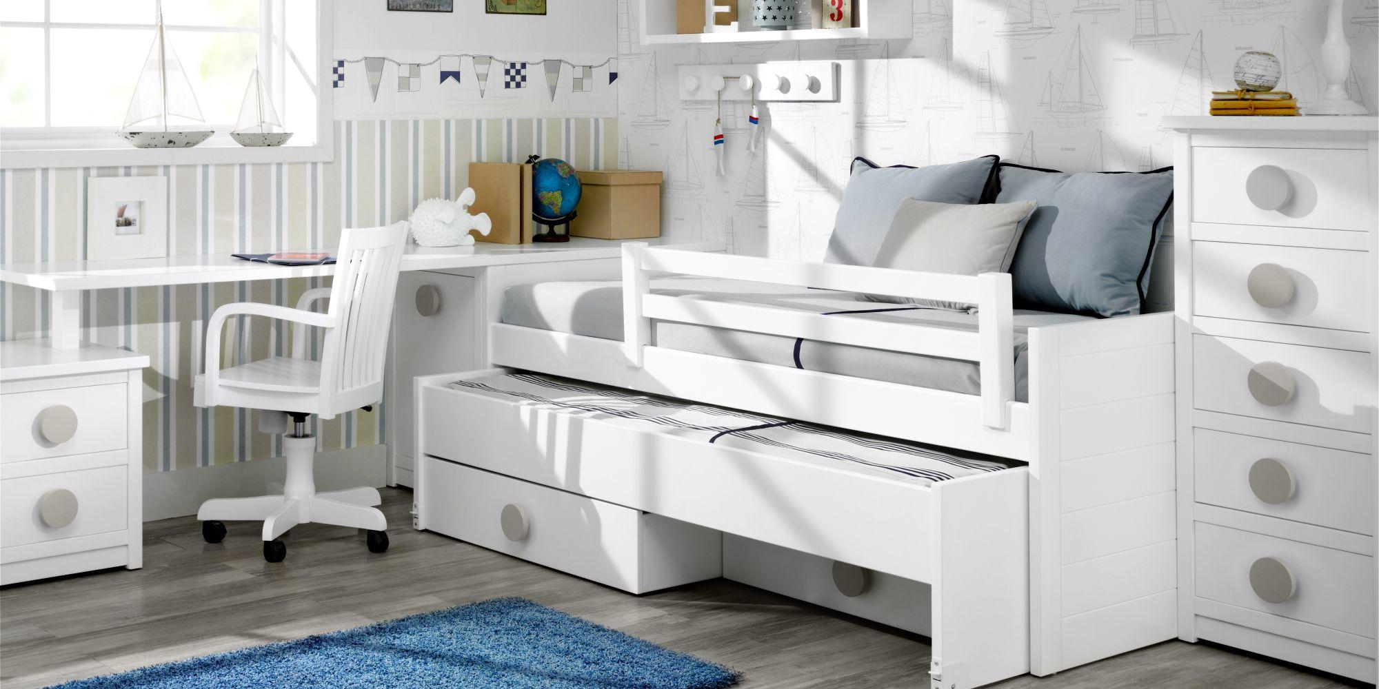 Minicompacto con cama supletoria fácil de extraer