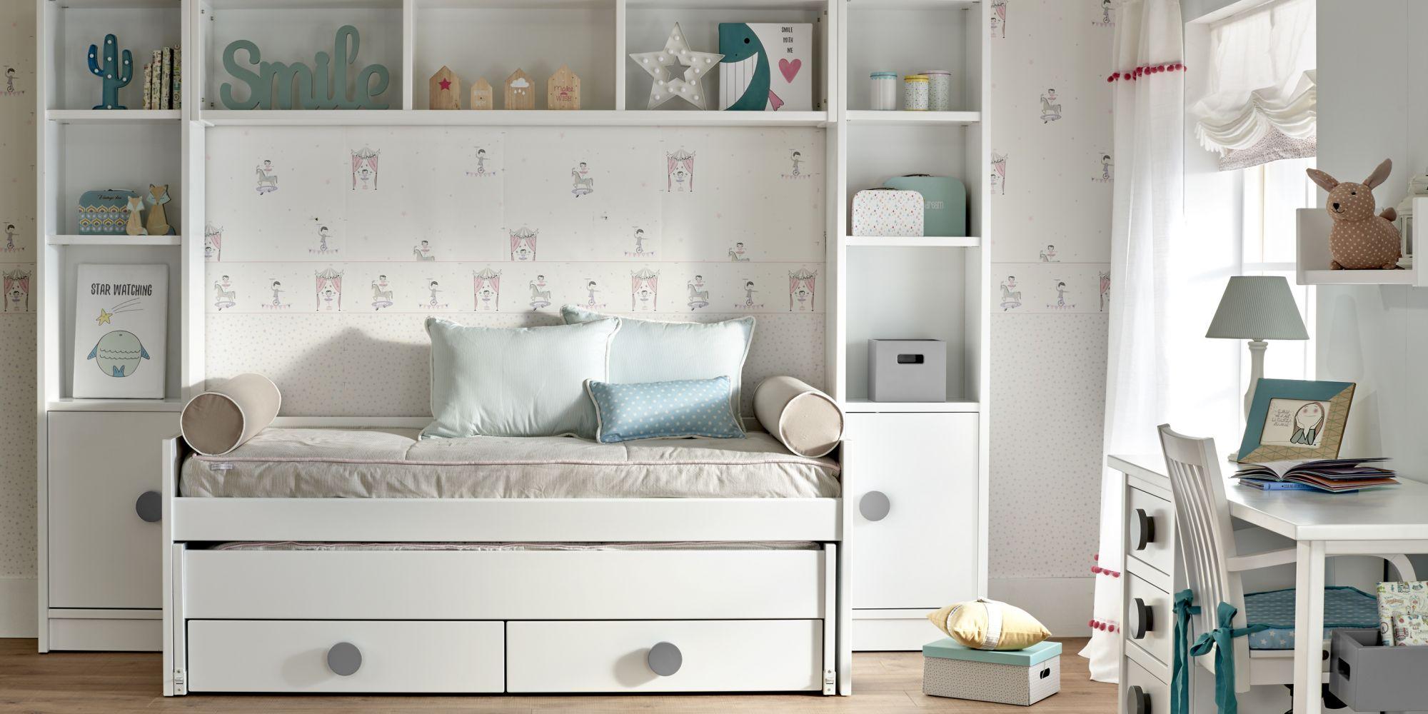 Minicompacto de dos camas con cajones inferiores y librería con puente