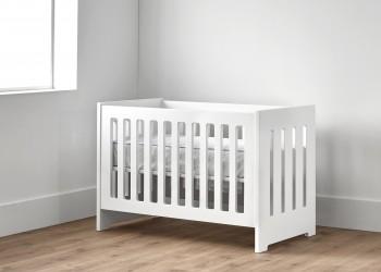 Cuna para bebé en color blanco