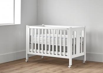 Cuna para bebé con ruedas color blanco